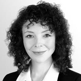 Dr Julie Nixon